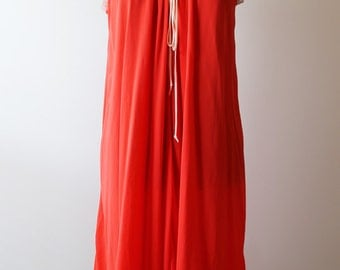 Vintage Coral Nightgown with Lace Trim Detail and Tie at Neck Size S/M