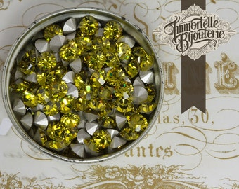 SS24 Lime Green Swarovski Round Rhinestones Loose 5mm Chatons - Article 1028 Austrian 1st Quality MC Crystal - 24pc