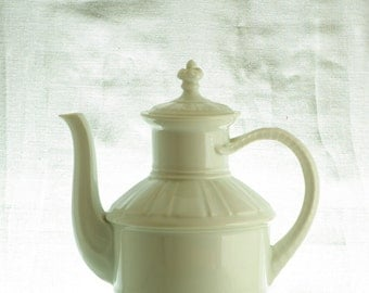 Bing and Grondahl, coffeepot, marked 91A, made in Denmark.