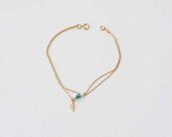 Small leaf Charm bracelet - Blue Swarovski and pearl - dainty bracelet