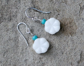 REDUCED Handmade Blue and White Daisy Earrings