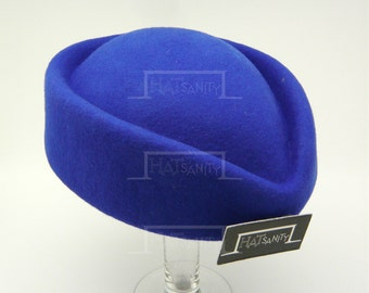 VINTAGE x ELEGANT Wool Felt Pillbox Hat - Blue