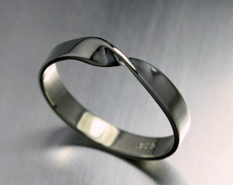 Mobius Ring, Twist Ring in Sterling Silver