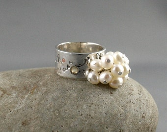 Cluster pearl ring. Wide band with pearls. Cocktail pearl ring. SIZE 6