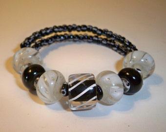 Black & White  Bracelet, Black and White Lampwork Glass Bead Bracelet, Memory Wire Bracelet with Black and White Glass Beads  and Seed Beads