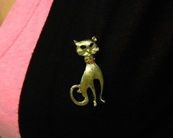 Pink Rhinestone Cat Brooch, Pink Collar Cat Pin, Pink Cat Brooch Pin, Kitty Cat Jewelry, Feline Meow, Gold and Pink, Vintage Gold Brooch