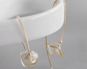 The Champagne Wallflowers - flower minimalist earrings