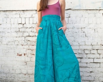 Vintage Palazzo 1990's Ethnic Floral Print High Waisted Culotte Flood Wide Leg Pants S/M