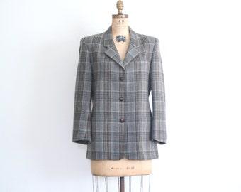 20 DOLLAR SALE! // ladies 80s LL Bean gray wool plaid blazer / vintage plaid blazer - 80s jacket / preppy jacket - braided leather buttons