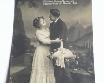 1910's Postcard . Vintage German Postcard . Vintage Sweethearts . Romantic Couple .