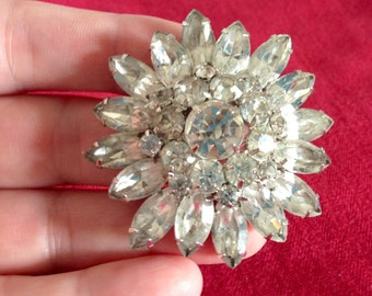 Large Vintage Clear Sparkly White Rhinestone Flower Brooch Pin Silvertone