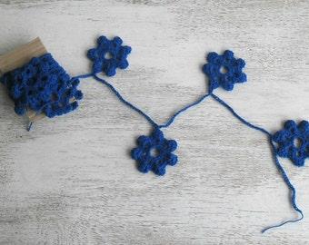 Decorative garland - crochet winter home decor -