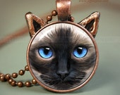 Siamese Cat Jewelry // Cat Necklace pendant // Ragdoll Siamese resin pendant // Ragdoll Sealpoint Cat jewelry // Cat lovers // SI5