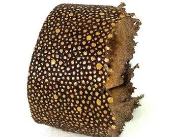 brown leather textured wrist cuff