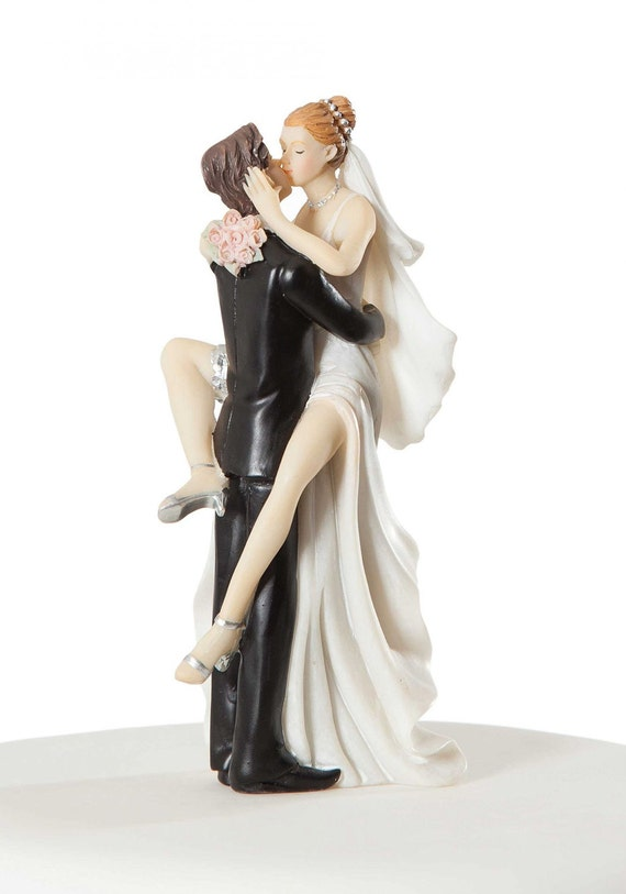 Figures On Wedding Cakes