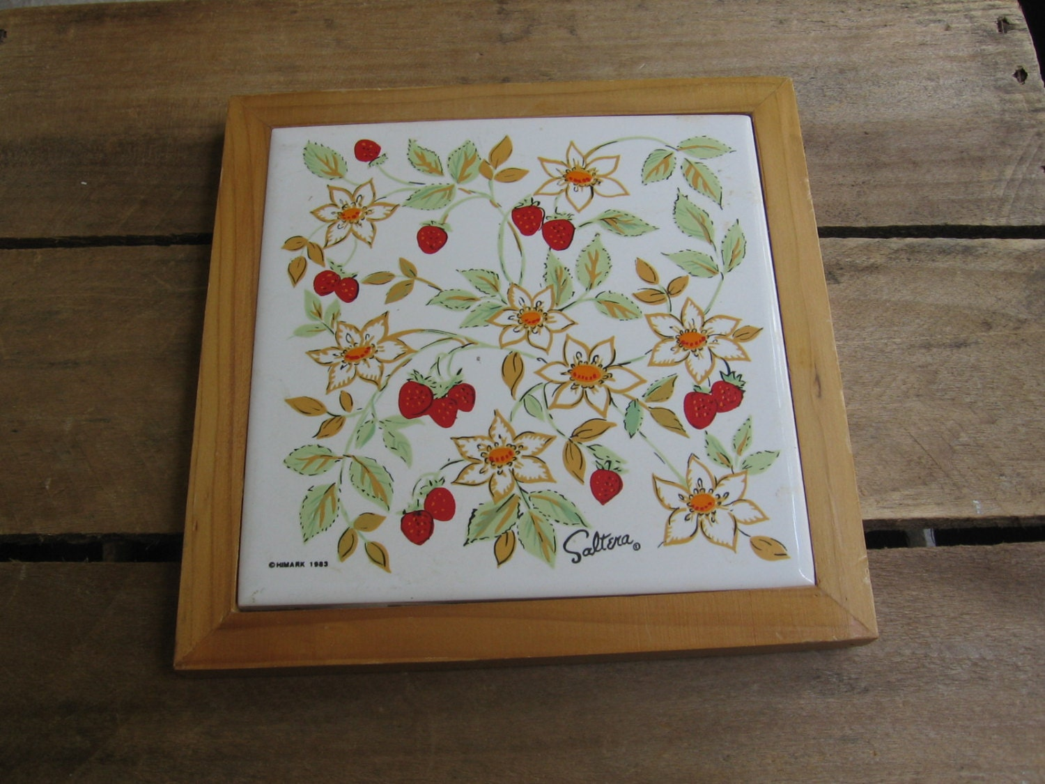 Strawberry Ceramic Tile Wood Trivet Hallmark Saltera Trivet