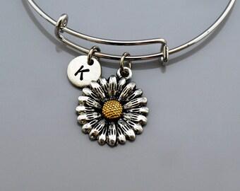 Daisy charm bangle, Daisy charm bracelet, Daisy flower, Garden theme charm, Expandable bangle, Personalized bracelet, Initial bracelet