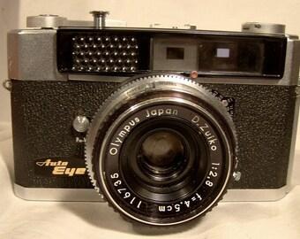Olympus Auto Eye Rangefinder 35mm. Camera in Original Case 1960