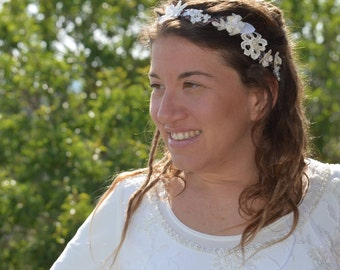 WEDDING FLOWER CROWN, Lace flower crown, ivory flower crown, Bridal flower crown. Rustic Floral Bridal crown, Woodland Wedding hair Tiara