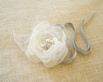 Wrist Corsage Bridal Flower Bouquet Alternative White Organza Silver Tulle Prom Weddings Bridesmaid Bridal Accessories Fairytale Flower