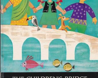 The Children's Bridge Stories from Worldwide Christianity - Hilde Lorch - Eva Bruchmann - 1962 - Vintage Book