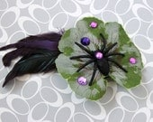 Spinning - Leaf and Spider Hair Clip