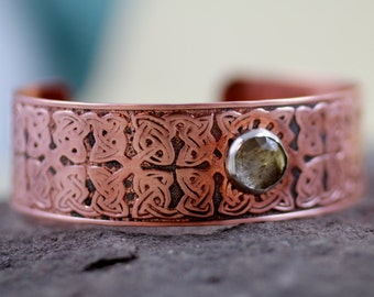Celtic Knot Cuff Bracelet - Golden Rutilated Quartz Gemstone