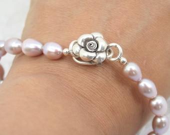 Classic pearl bracelet