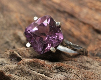 Purple Amethyst faceted gemstone in sterling silver ring/TP