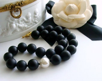 Black Onyx Necklace & Shell Pearl - Brooke Necklace V