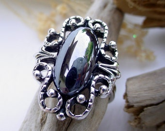 Vintage Emmons Filigree Ring with Shiny Black Onyx Stone - Adjustable - Silver Tone