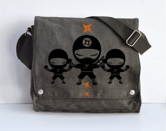 We are ninjas Messenger bag