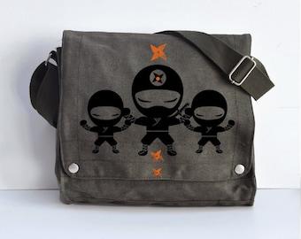 We are ninjas Messenger bag