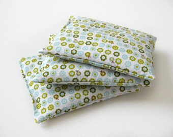 Lavender Sachets // Set of 3 sachets // Small Green Flowers // Drawer sachets // Scented Sachets // Housewarming gift