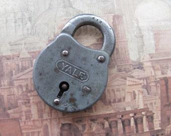Yale Antique Padlock, no key