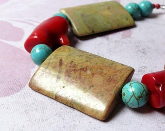 Bracelet jasper, red coral and turquoise howlite stones