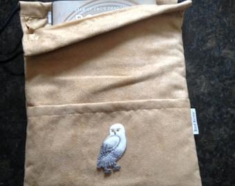 Hedwig - Book, ipod, eReader, Tablet, Comic, Magazine, Bag-Sleeve (etsy)