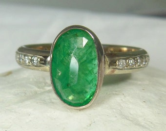 Emerald  white  gold solitaire Ring,   engagement ring, Diamond multi stone ring, solid white gold