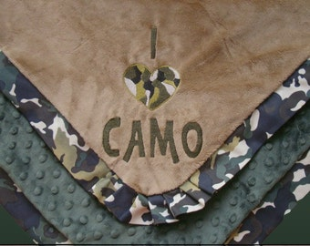 Camo Blanket - Blanket with Pleated Border - I Love Camo