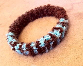 Boucle Bangle in Blue and Brown