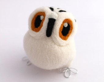 Needle Felted Snowy Owl in Natural White, Felt Bird, Felt Owl Ornament