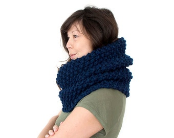Super Mega Chunky Knit Infinity Cowl Lots of Colours Available