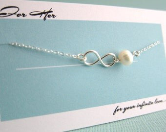 Charming Gift to In Loved Her Infinity Pearl Charm Pendant Necklace Customized Birthday Vacation Anniversary Special Event on Personal Card