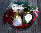 Christmas Soy Candles Gift Basket Holly Poinsettia - SandyLandStudio