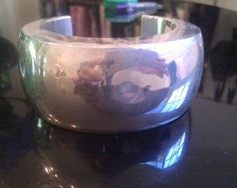 Los Ballesteros sterling silver hallmarked cuff. 90 grams.