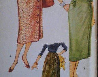 Vintage 50s Asymmetrical Button Closure Wiggle Pencil Tab Accent One Yard Skirt Easy Sewing Pattern 4817 W26