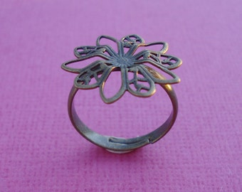 Antiqued Brass Adjustable 3mm Ring Band with 19mm Filigree Flower Setting for 5mm to 7mm flat back cabs (6 pcs)