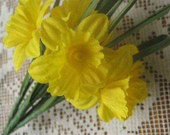Fabric Millinery Flowers From Austria 6 Stems Yellow Daffodils Flowers A-21