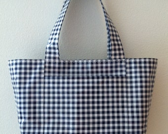 Beth's Medium   Gingham Oilcloth Tote with Exterior Pockets