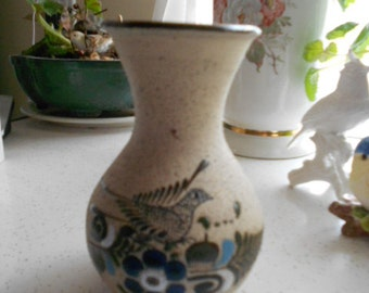 """Vintage Pottery Made in Mexico Vase Bird and Flowers on front 5 3/4 """" tall"""